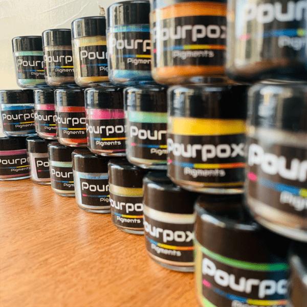 Epoxy pigment pourpoxy set